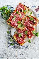 Ciabatta mit Tomaten und Salami
