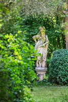 Pallas Athene Statue im Garten