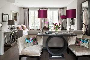 Cushions on armchairs with console