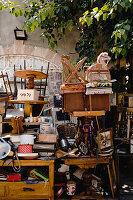Flohmarktarktikel in Straße (Tel Aviv, Israel)