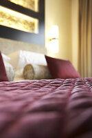 Schlafzimmer im Kempinski Hotel Mall of the Emirates, Dubai, Vereinigte Arabische Emirate