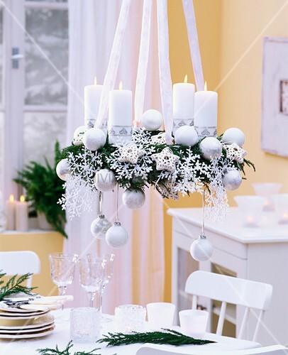h ngender weisser adventskranz mit bild kaufen 00851811 living4media. Black Bedroom Furniture Sets. Home Design Ideas