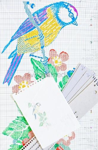 Unterlagen für die Herstellung eines Stoffbandes: Aquarellskizze, Arbeitsbogen und Lochkarte