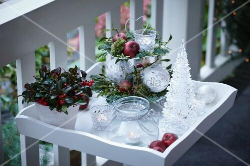 Etagere Weihnachtsdeko.Weihnachtsdeko Auf Der Terrasse Bild Kaufen 11175461