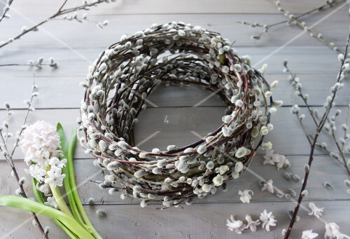 Wreath of pussy willow with hyacinths