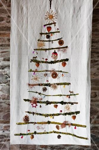 stilisierter weihnachtsbaum aus bild kaufen 11297215 living4media
