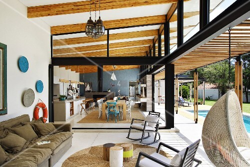 schiebetur fur offene kuche. Black Bedroom Furniture Sets. Home Design Ideas