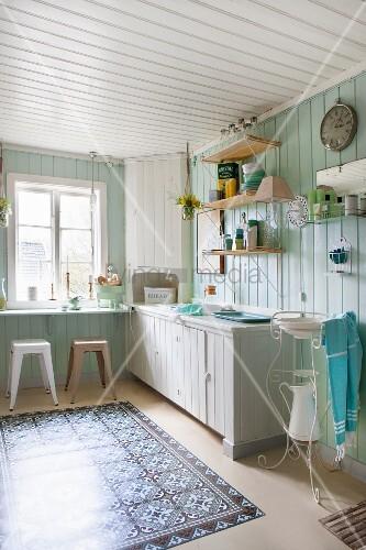 Boho Küche Mit Bretterwand Und Bild Kaufen 11506367