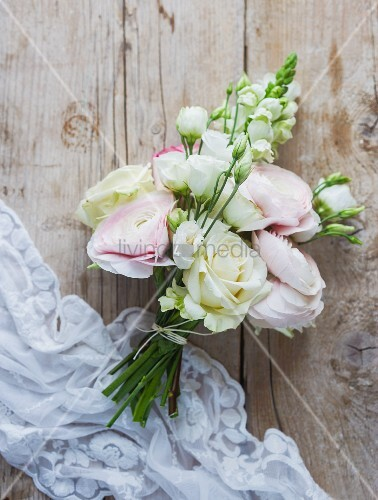 Bridal bouquet in delicate pastel shades