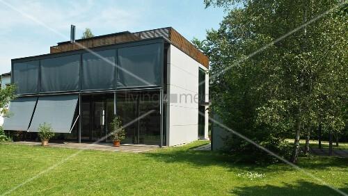 Modernes Haus Mit Dachterrasse Und Bild Kaufen 11014309