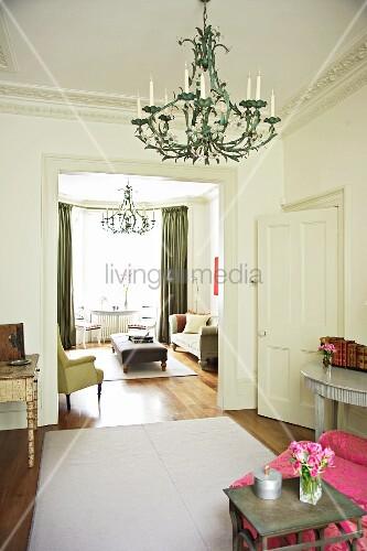 herrschaftliche wohnung mit blick durch bild kaufen. Black Bedroom Furniture Sets. Home Design Ideas