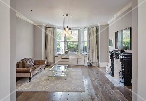Elegantes Wohnzimmer mit Art Deco … – Bild kaufen – 11977611 ...