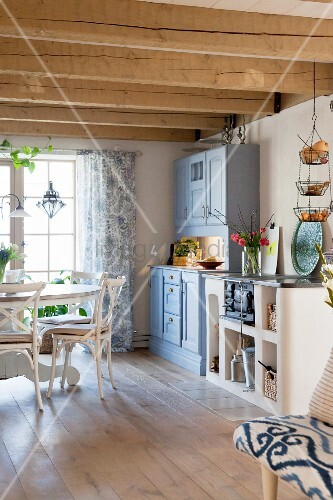 Rustic Wood Beamed Ceiling And Wooden Buy Image