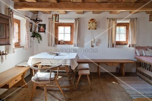 Stube Im Traditionell Eingerichteten Bild Kaufen 12088803