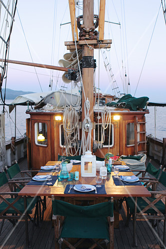 Set dining table on sailing boat