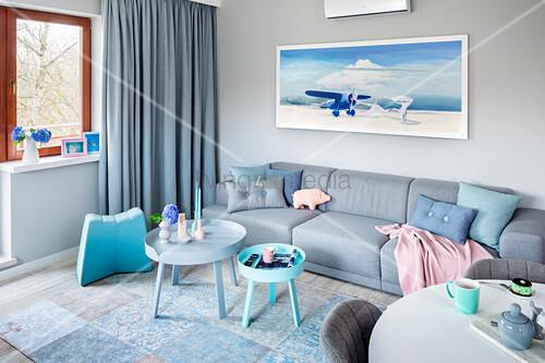 Modernes Wohnzimmer In Blau Grau Und Bild Kaufen 12663043