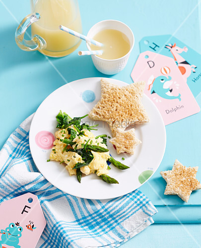 Superfoods For Babies and Toddlers - Toddlers - Breakfast - Green Vegetable Scramble
