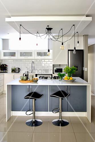 Kitchen counter, bar stools, pendant … – Buy image ...