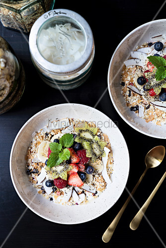 Oats with fruit and flaked coconut