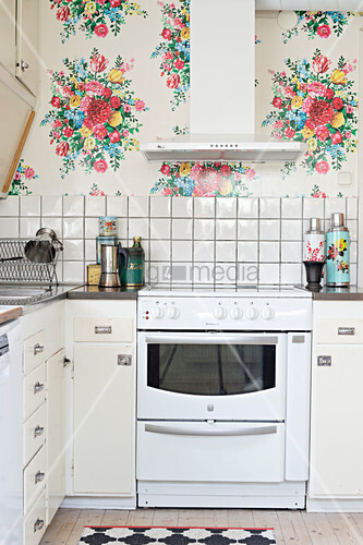 Old Kitchen With Floral Wallpaper Buy Image 12315413 Living4media