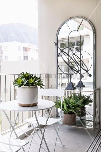 Bistrotisch Balkon.Bistrotisch Und Stühle Vor Grossem Bild Kaufen