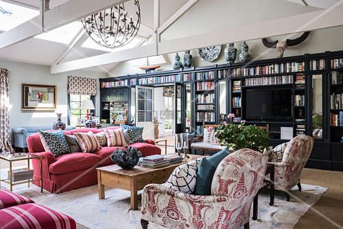 Wohnzimmer im Englischen Stil mit … – Bild kaufen - 12373209 ...