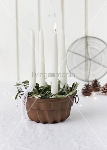 Advent wreath in bundt cake tin
