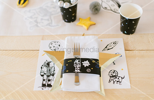 Place mat with space motifs