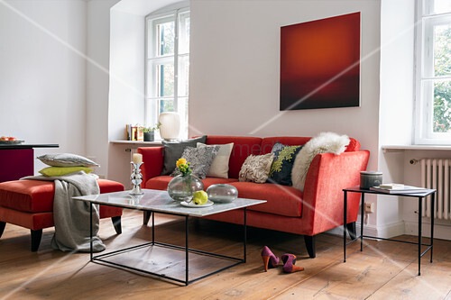 Red and white colour scheme in living room