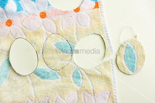 Anleitung für Ostereier aus alten Handtüchern