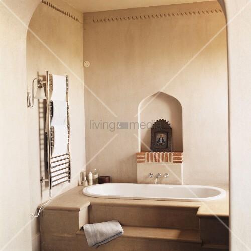Ein Badezimmer im orientalischen Stil – Bild kaufen – living4media