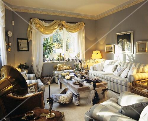 weihnachtlich dekoriertes wohnzimmer mit bild kaufen. Black Bedroom Furniture Sets. Home Design Ideas